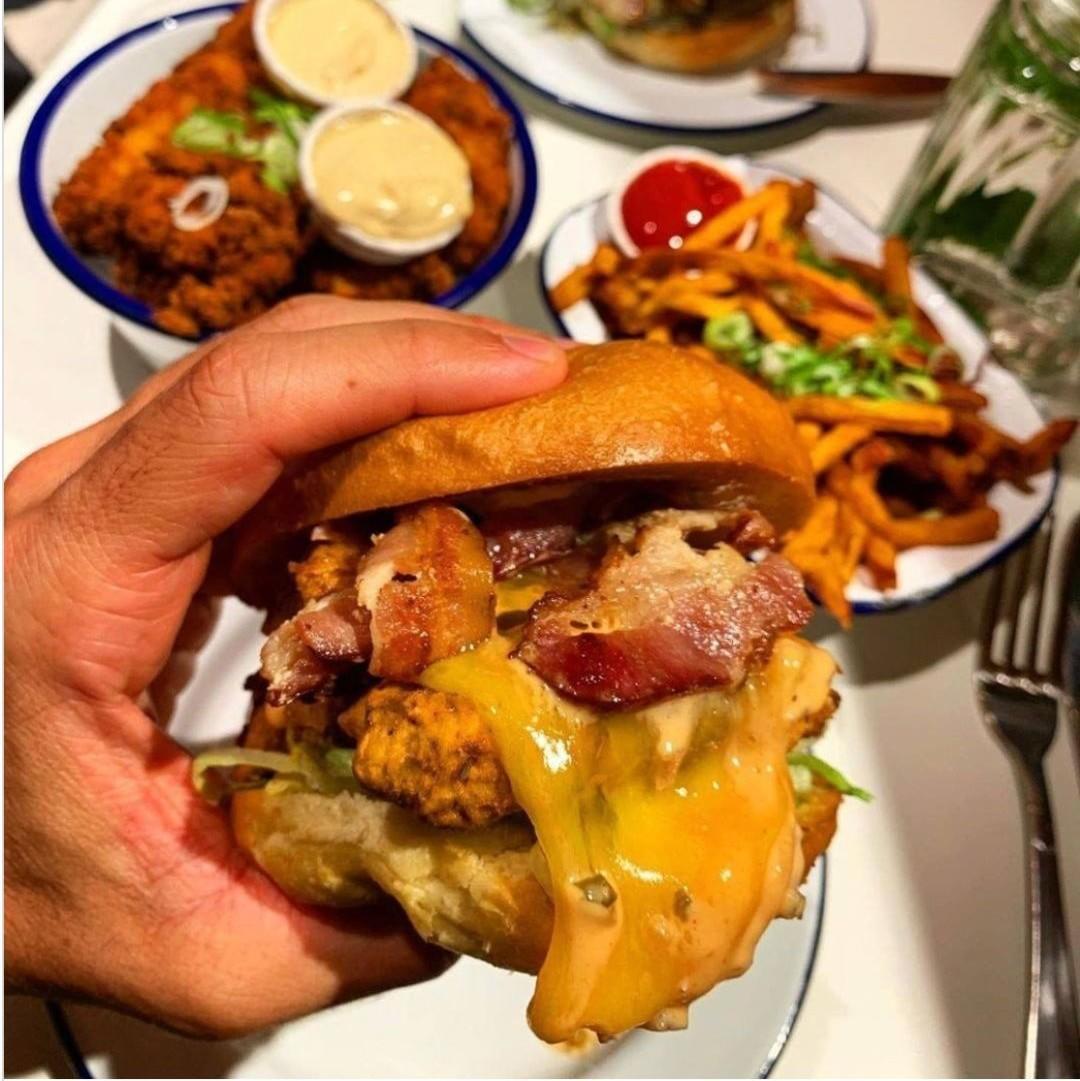 , 巴黎疯人院通通1元!大块牛肉+烟熏培根+炸洋葱圈,超大美味汉堡!, My Crazy Paris